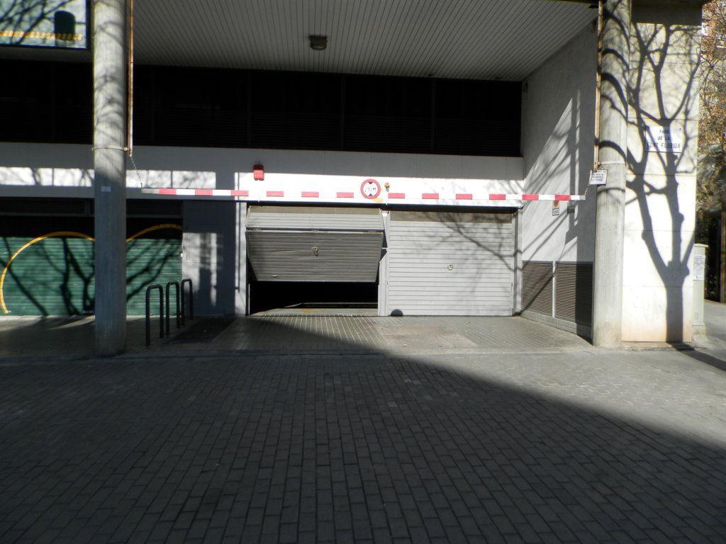 Magarfinc plaza garaje pza espa a for Plaza de garaje madrid